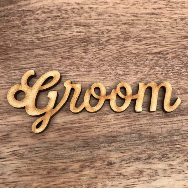 Script Wooden Circle Place Name / Gift Tag