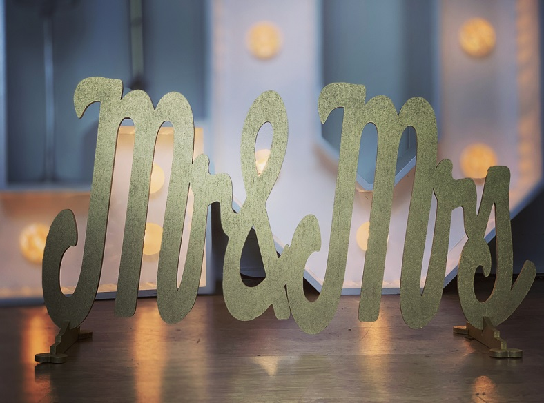 Mr & Mrs Standing Sign Extra Large